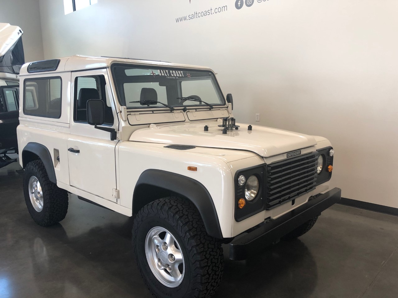 Pre-Owned 1991 Land Rover Defender 90