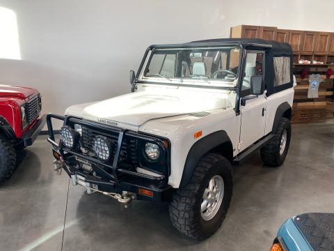 Pre-Owned 1994 Land Rover Defender 90 Wagon 2 Dr.